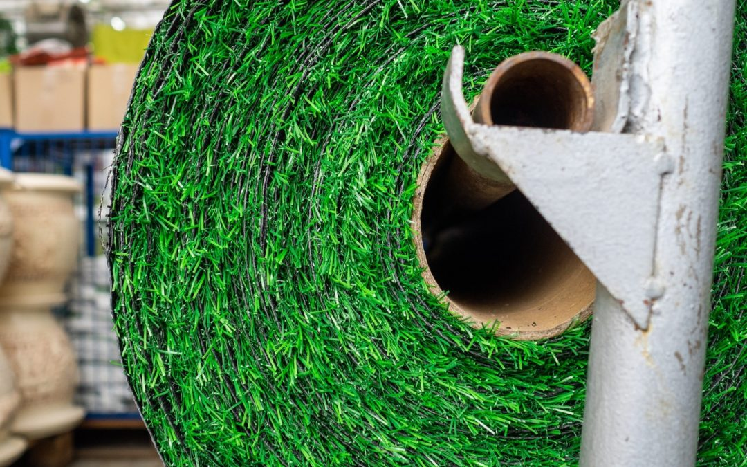 Customize Your Putting Green with High-Quality Artificial Grass for Easy Installation in Houston